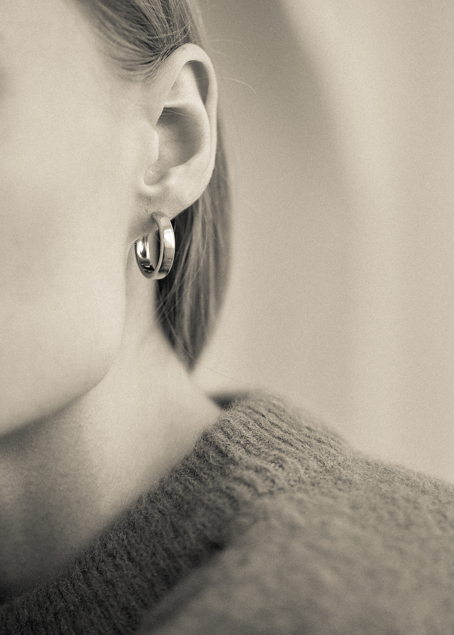 ONE-TOUCH HOOP EARRINGS SILVER