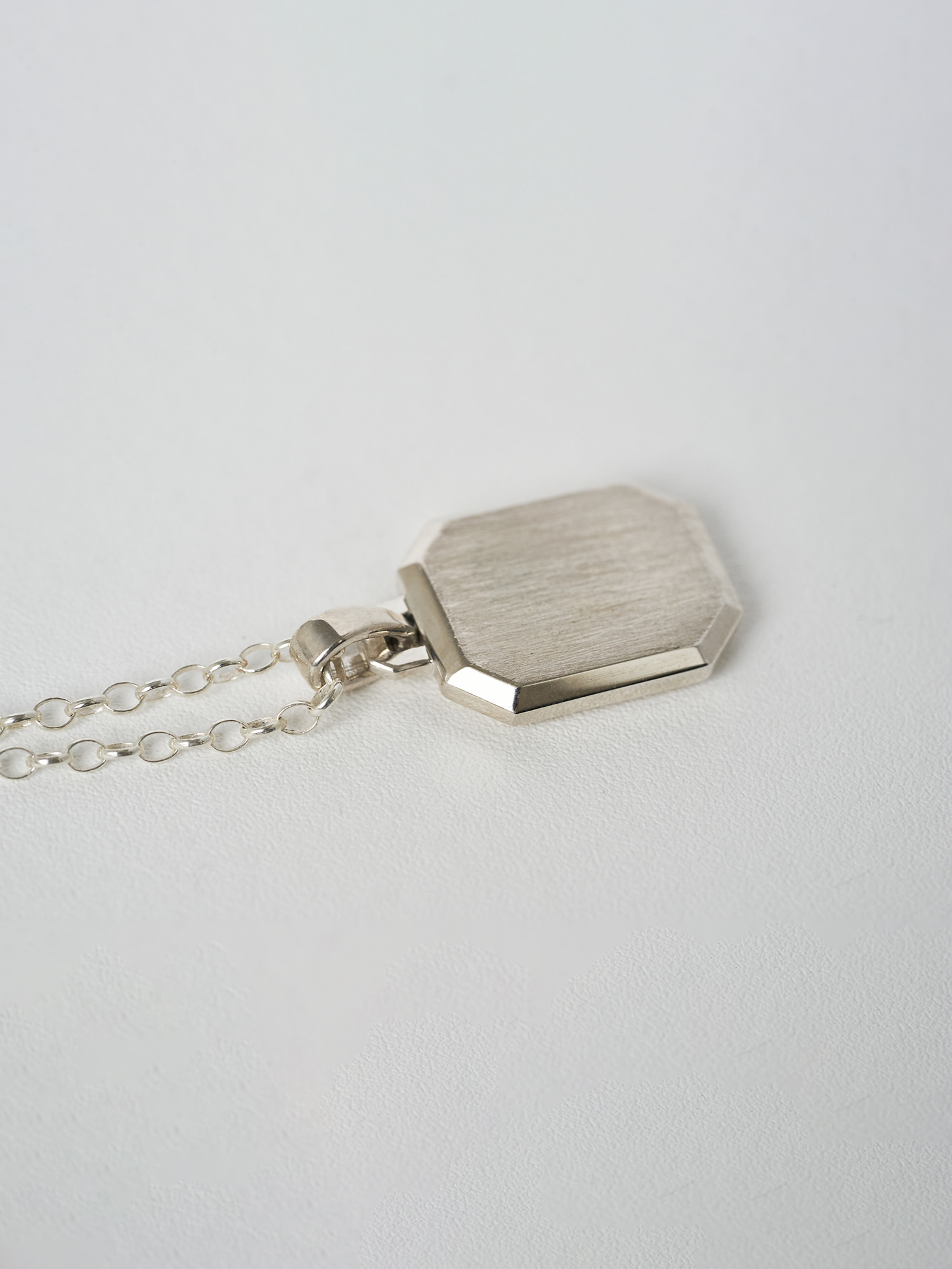OCTA EDGE NECKLACE SILVER