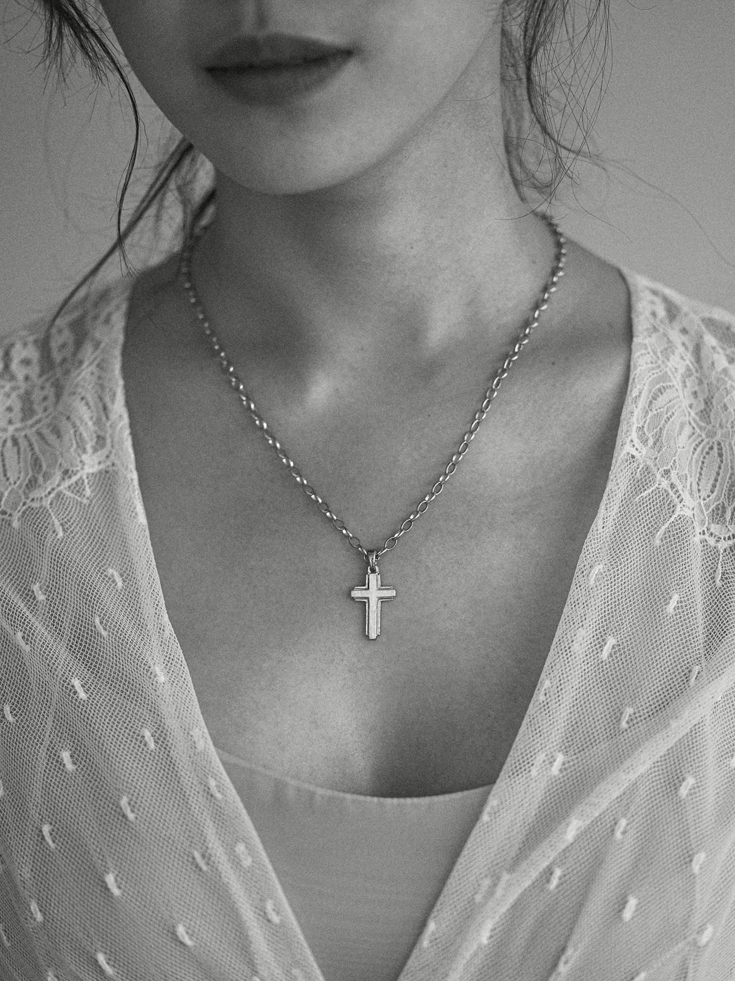 LECLAT CROSS S NECKLACE SILVER