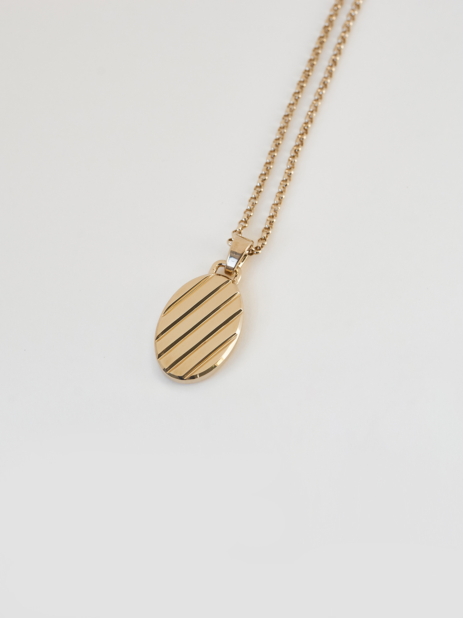 LUMIERE OVAL NECKLACE GOLD